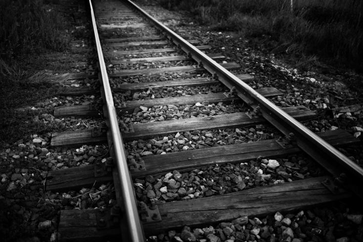Fekete hét a síneken: több szakaszon is gázoltak a vonatok, egy emberen áthajtott a tehervonat
