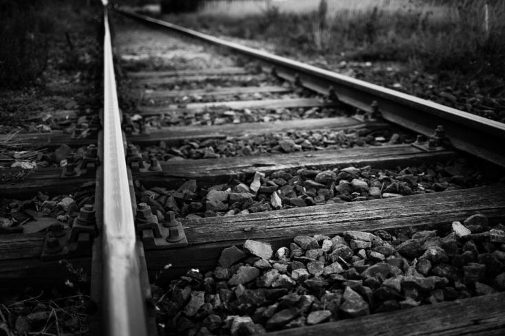 Halálra gázolt a vonat egy férfit, meglepő dolgot találtak nála a rendőrök
