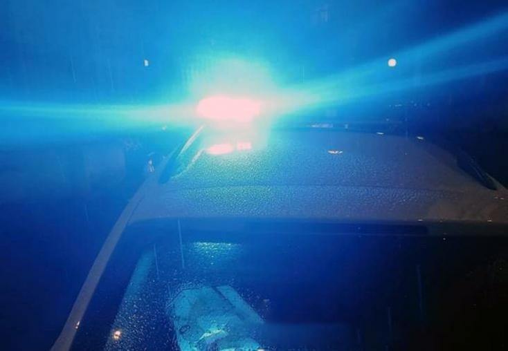 Késes agresszor tombolt egy pozsonyi klubban, a rendőröket is megsebesítette