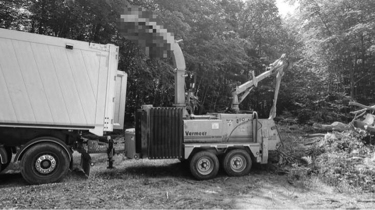 Halálos munkabaleset: fafeldolgozó gépet kezelő 43 éves férfi vesztette életét