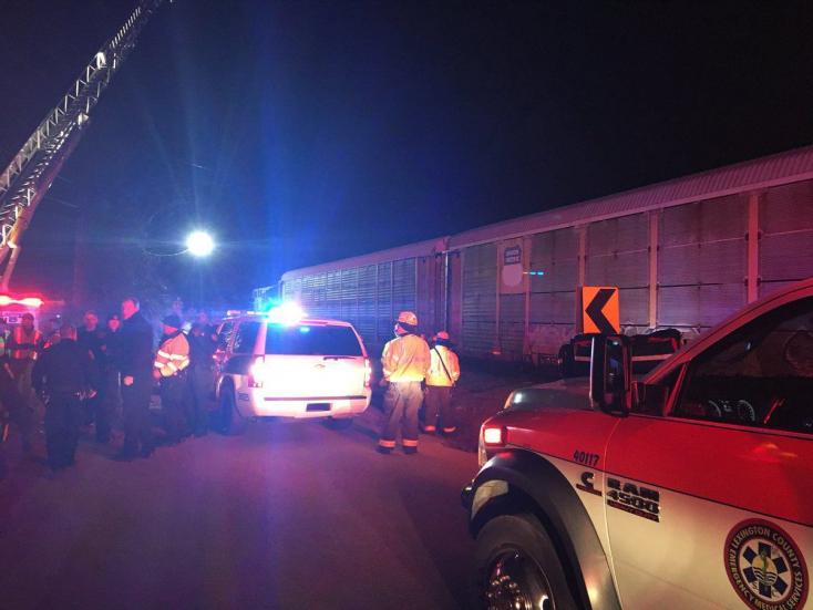 Összeütközött két vonat, legkevesebb ketten meghaltak!