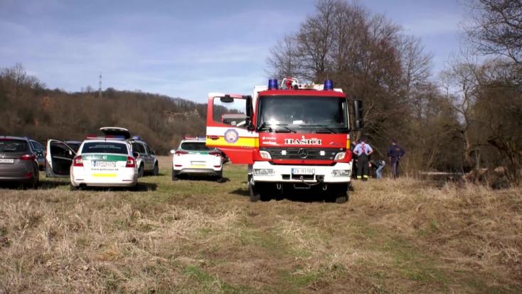 BORZALOM: Oszlásnak indult holttestre bukkant a folyónál egy horgász