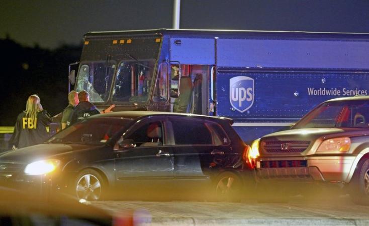 Négyen meghaltak egy sikertelen ékszerrablás utáni lövöldözésben – VIDEÓ
