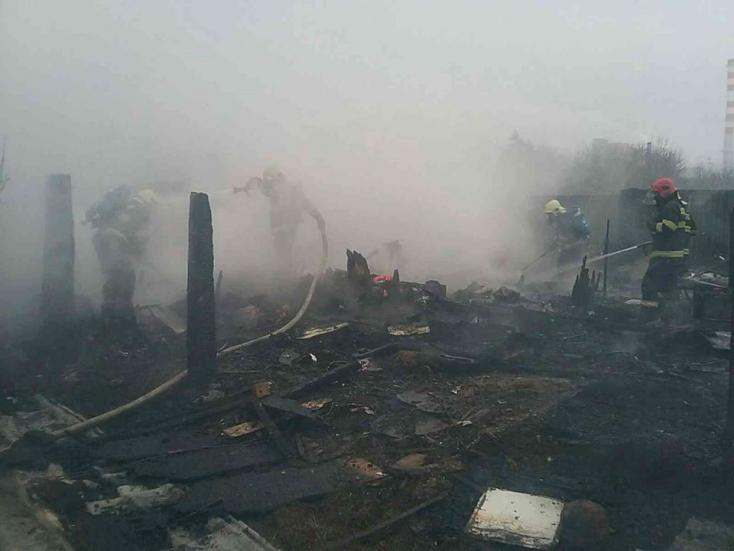 TRAGÉDIA: Szándékosan gyújthattak fel egy házat, bennégett három gyerek!