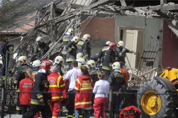 Felrobbant egy ház Magyarországon - holttestet találtak a romok alatt