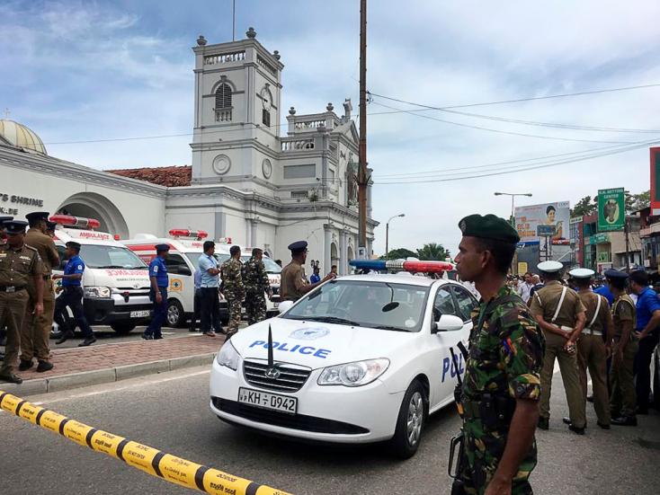 Szállodákban és templomokban robbantottak Srí Lankán, több mint 180-an meghaltak