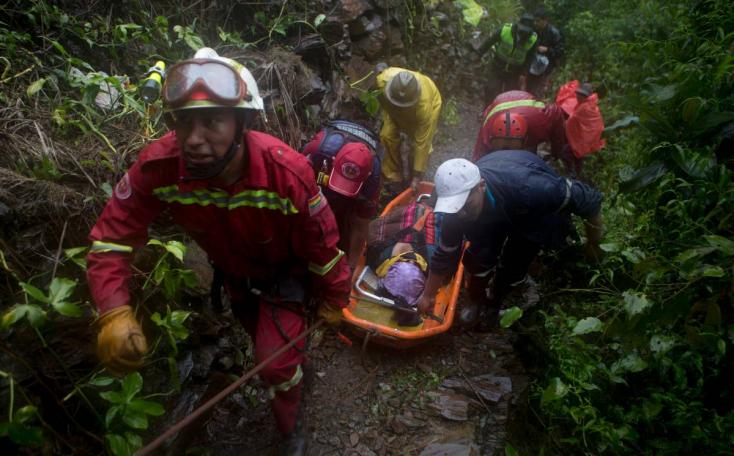Sárvalina zúdult egy autópályára Bolíviában, 11-en meghaltak