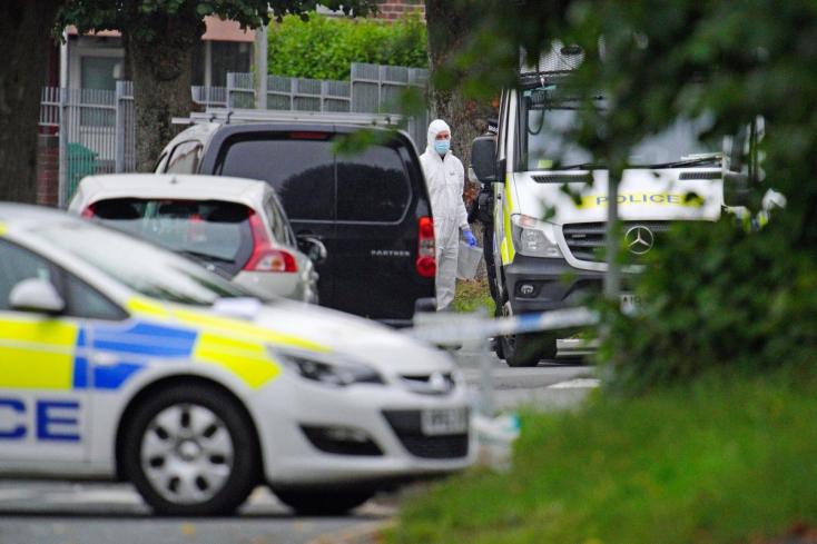 ÁMOKFUTÁS:Hatembert, köztük egy gyereket lőtt agyon egy fegyveresPlymouthban