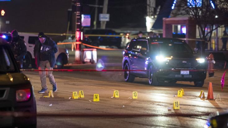 Több helyen is lövöldözött egy férfi Chicago környékén, legkevesebb három embert megölt