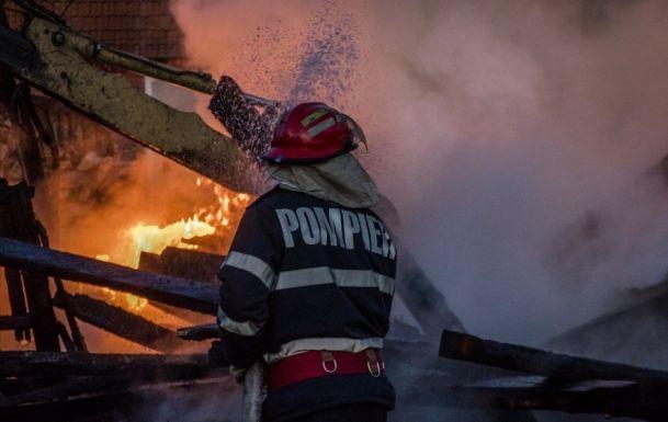 BORZALOM: Leégett húsz ház Csíksomlyó nyomornegyedében, kétszáz ember maradt fedél nélkül (videó)