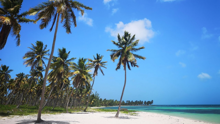 Egy 65 éves nőt erőszakolhatott meg két magyar férfi Dominikában!