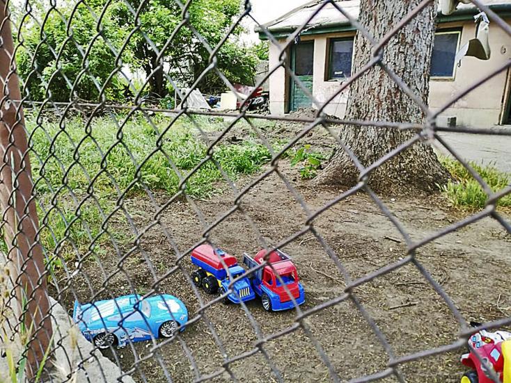 Anyja ásta el nyolc hónapos kisbabája holttestét az udvarukon Érsekújvárban