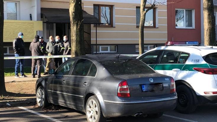 BRUTÁLIS GYILKOSSÁG: Egy férfi levágta apja fejét Komáromban!