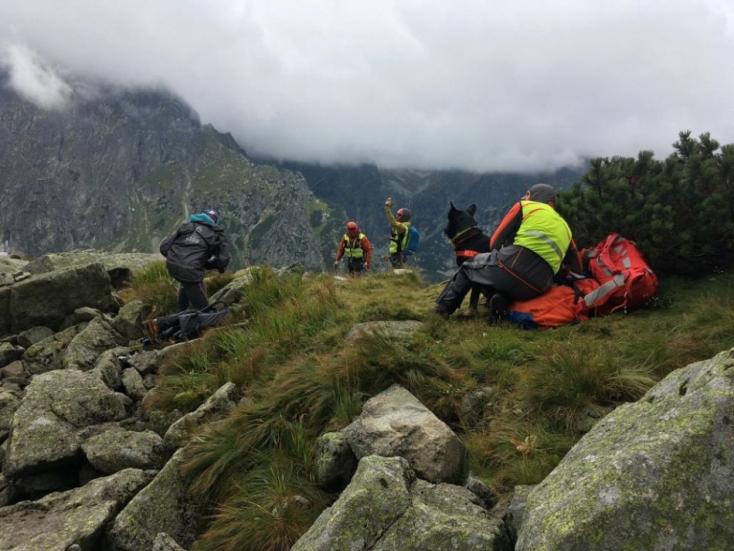 TRAGÉDIA: Kutyája őrizte a balesetet szenvedettnémet turistaholttestéta Magas-Tátrában