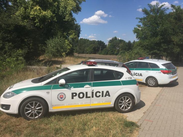 Felakasztva találtak egy férfit a dunaszerdahelyi temető közelében