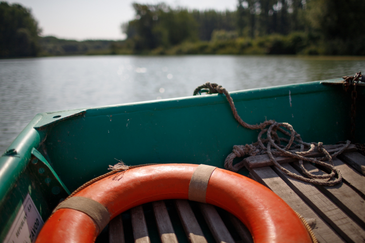 Ismeretlen férfi holttestét húzták ki egy tóból