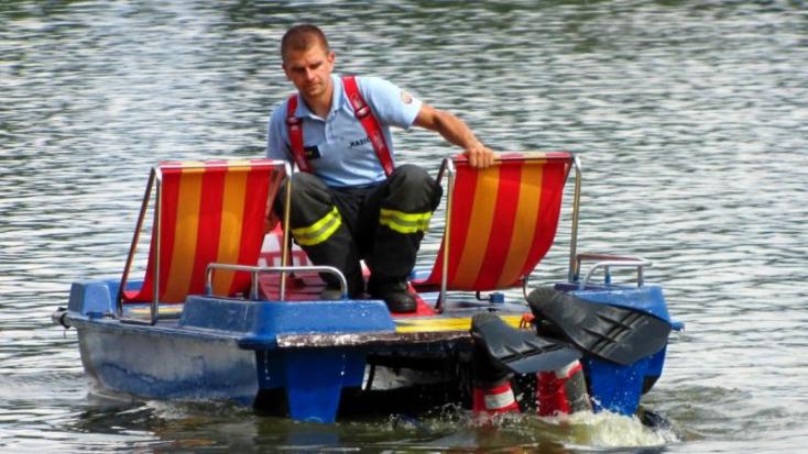 TRAGÉDIA: 22 éves fiatal holttestét húzták ki a tóból