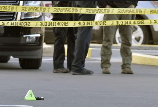 Több embert agyonlőtt egy férfi egy Kansas City-i bárban