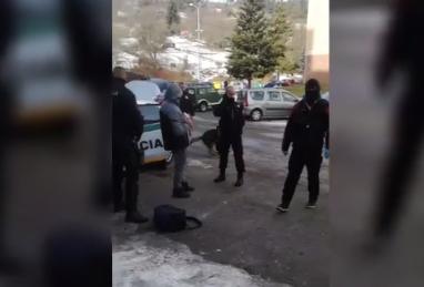 Lecsapott a NAKA: Katonákat vettek őrizetbe, kábítószerrel kereskedtek (VIDEÓ)