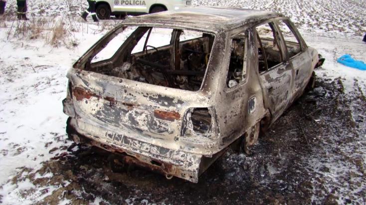 Kiégett autó mellett találták meg az 57 éves férfi holttestét – a bíróság elítélte az áldozat fiát