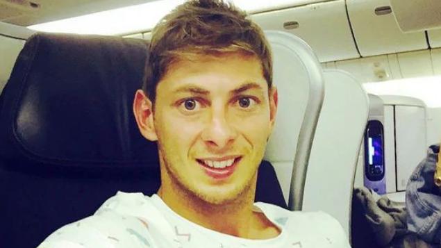 Felszínre hoztak egy holttestet az Emiliano Salával lezuhant kisrepülőgépből