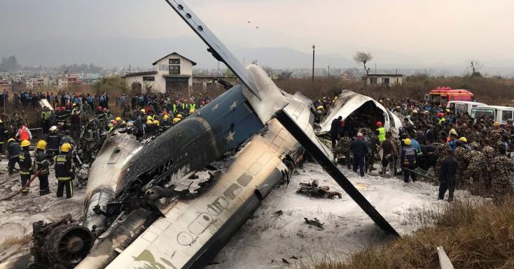 Lezuhant egy utasszállító repülőgép landoláskor a katmandui repülőtéren, áldozatok