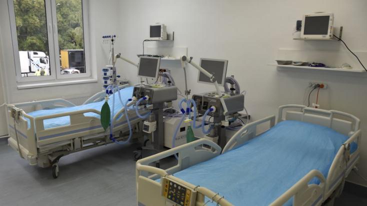 TRAGÉDIA: Három páciens meghalt Romániában a lélegeztetőgépek leállása miatt