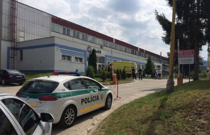 BORZALOM: Lövöldözés egy dubnicai cégnél - két halott!