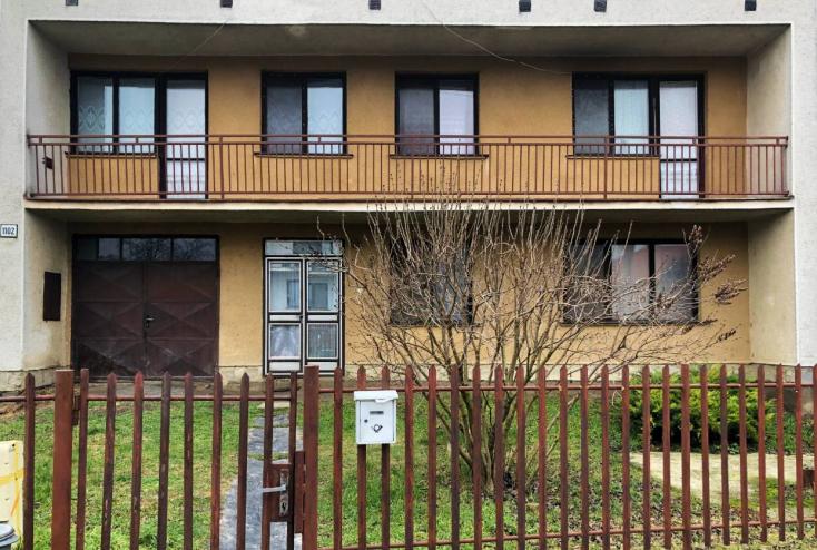 Horror Nádszegen: Öt éve magára gyújtotta a házat, több mint két éve egy feldarabolt hullával élt