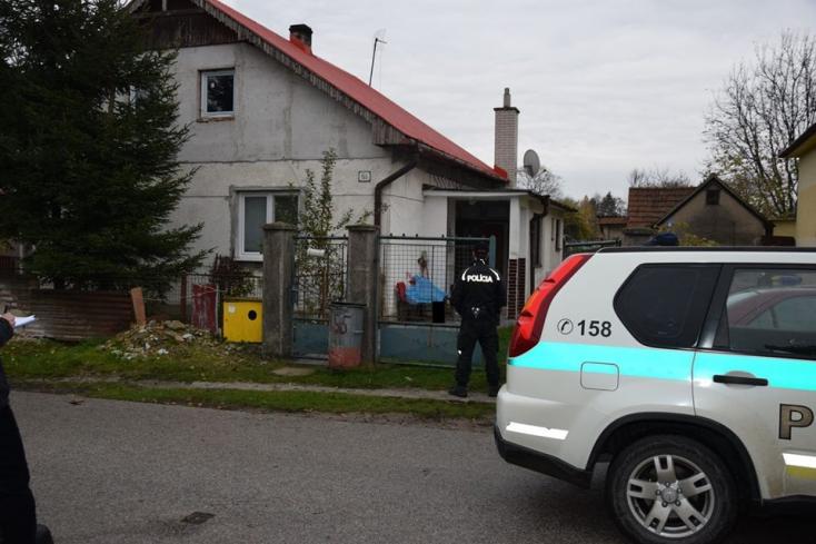 GYILKOSSÁG: Egy padon találták holtan az idős asszonyt