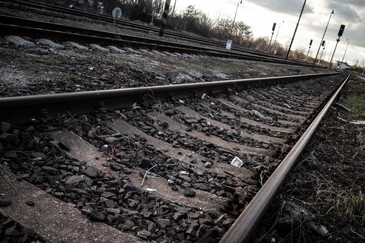 Halálra gázolt egy embert a vonat Nagymegyer és Nemesócsa között
